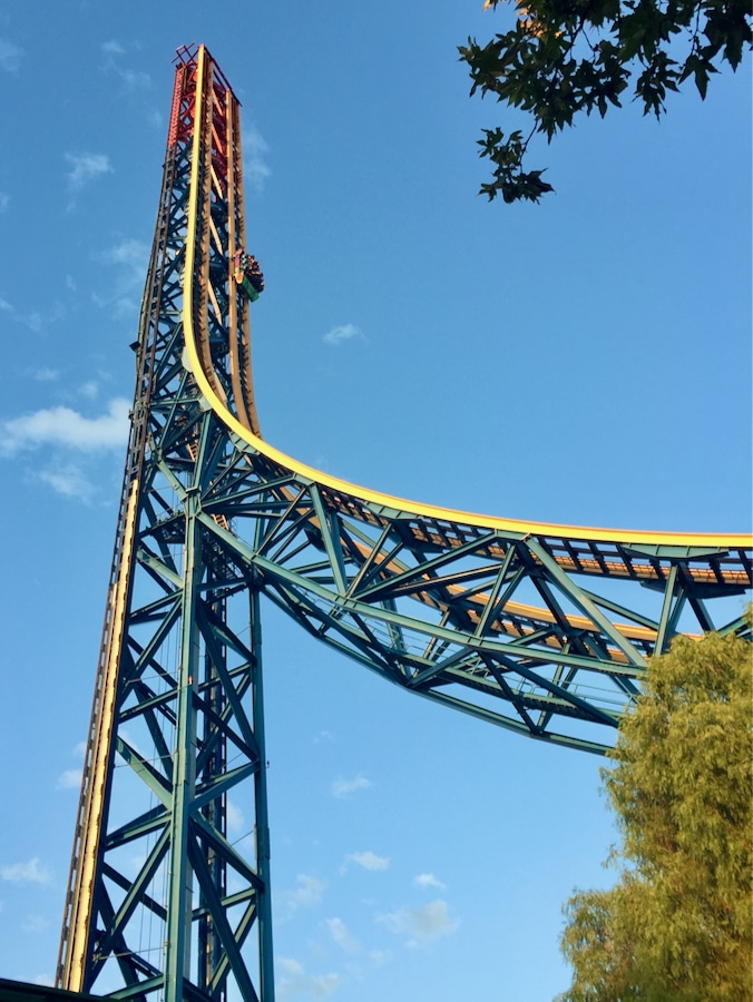 Atracciones Superman Escape from Krypton y Lex Luthor Drop of Doom de Six Flags Magic Mountain