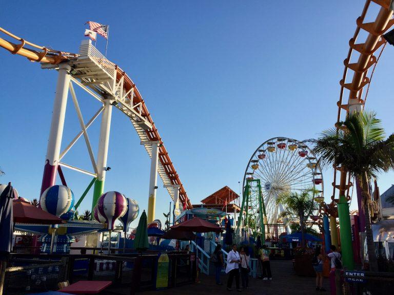 Atracciones en el Pacific Park de Santa Monica Pier
