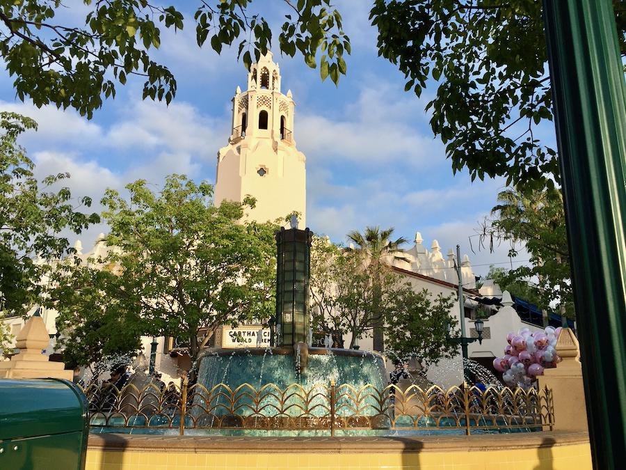 Fuente de Buena Vista Street y Carthay Circle en Disney California Adventure