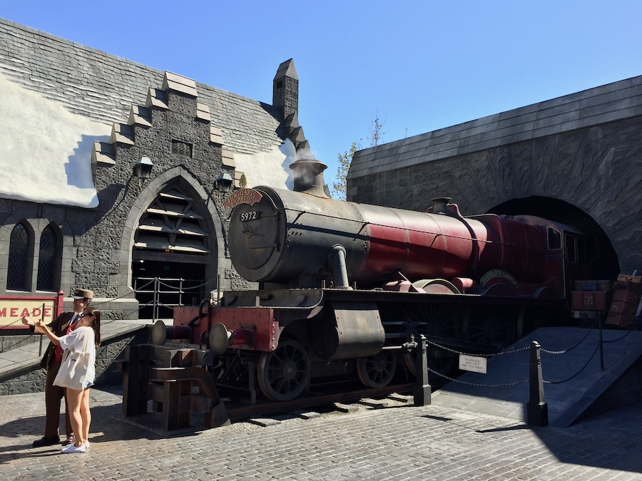 Locomotora del Hogwarts Express en el Wizarding World of Harry Potter de Universal Studios Hollywood