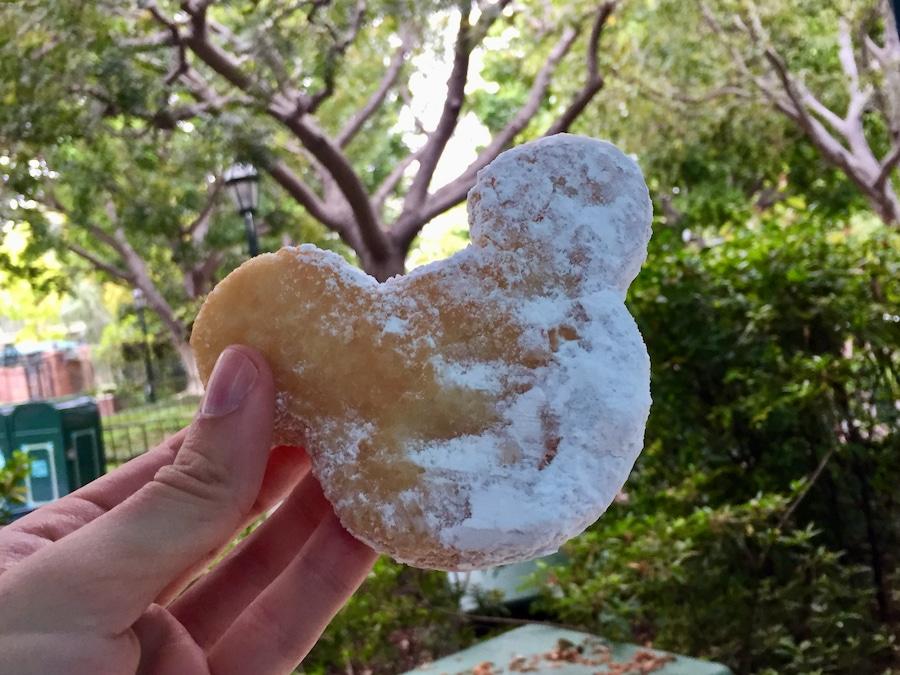Mickey Beignet snack de New Orleans Square en Disneyland California