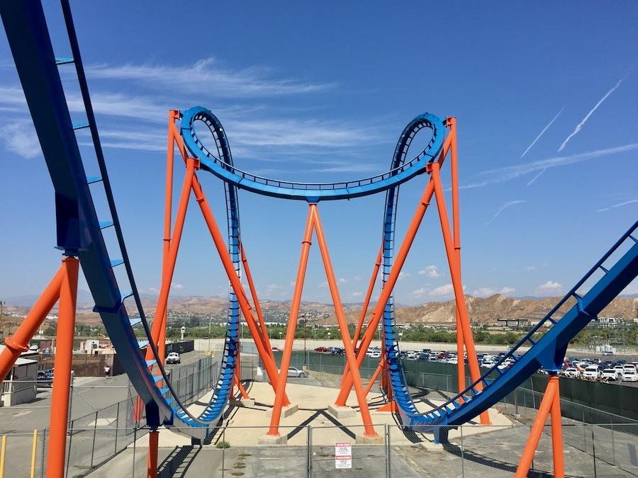 Montaña rusa Scream de Six Flags Magic Mountain