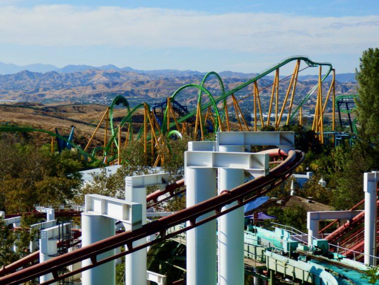 Montañas rusas en Six Flags Magic Mountain