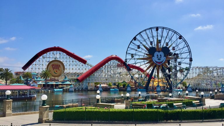 Pixar Pier en Disney California Adventure de Disneyland