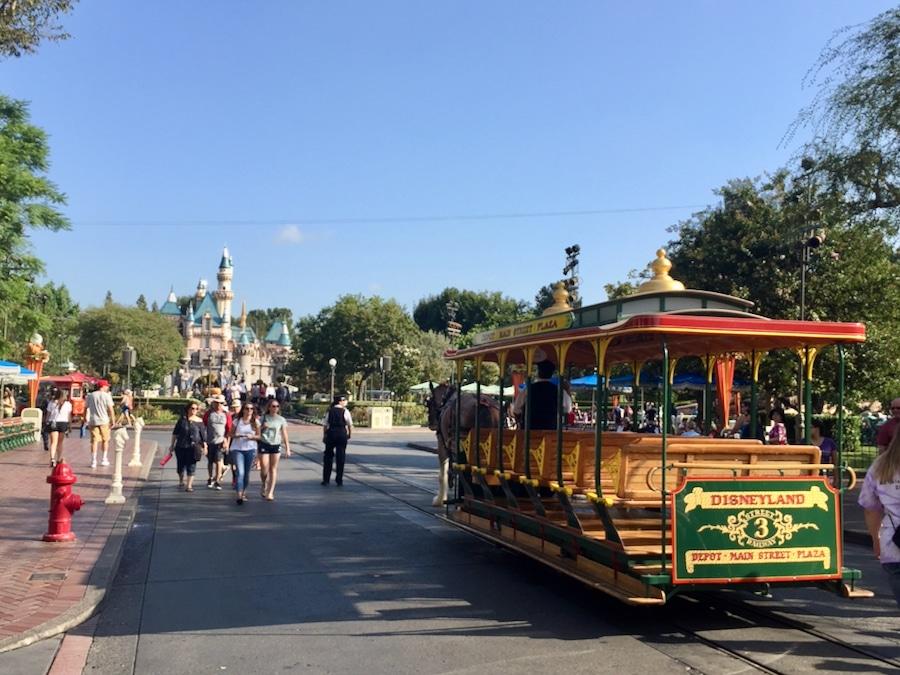 Tranvía en Main Street USA de Disneyland en California