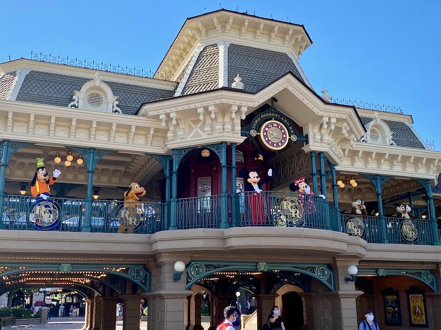 Bienvenida de los personajes Disney en la reapertura de Disneyland Paris