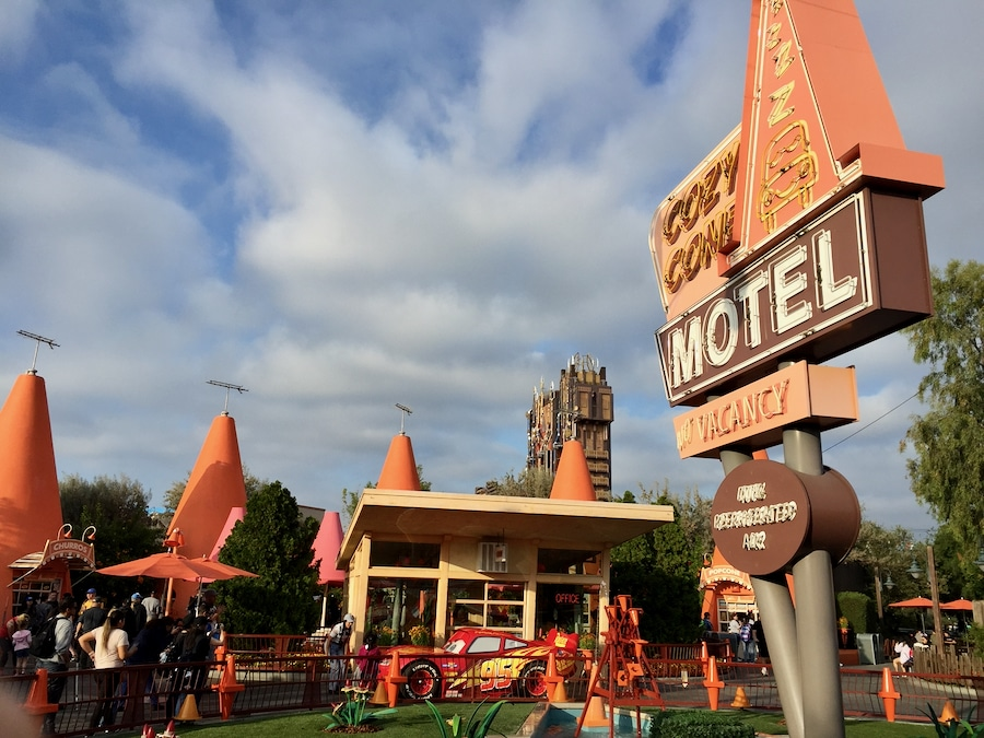 Restaurante Cozy Cone Motel en Cars Land de Disney California Adventure