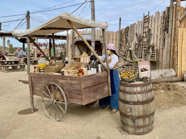 Desayunos de bienvenida carro en el Arrabal de Puy du Fou España