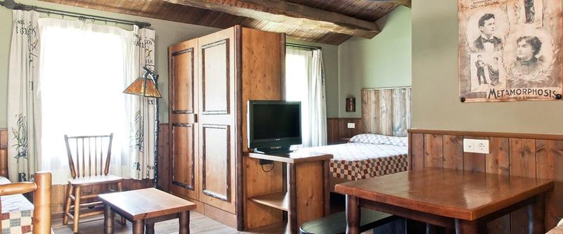 Interior de las Cabañas River Bungalows del Hotel Colorado Creek