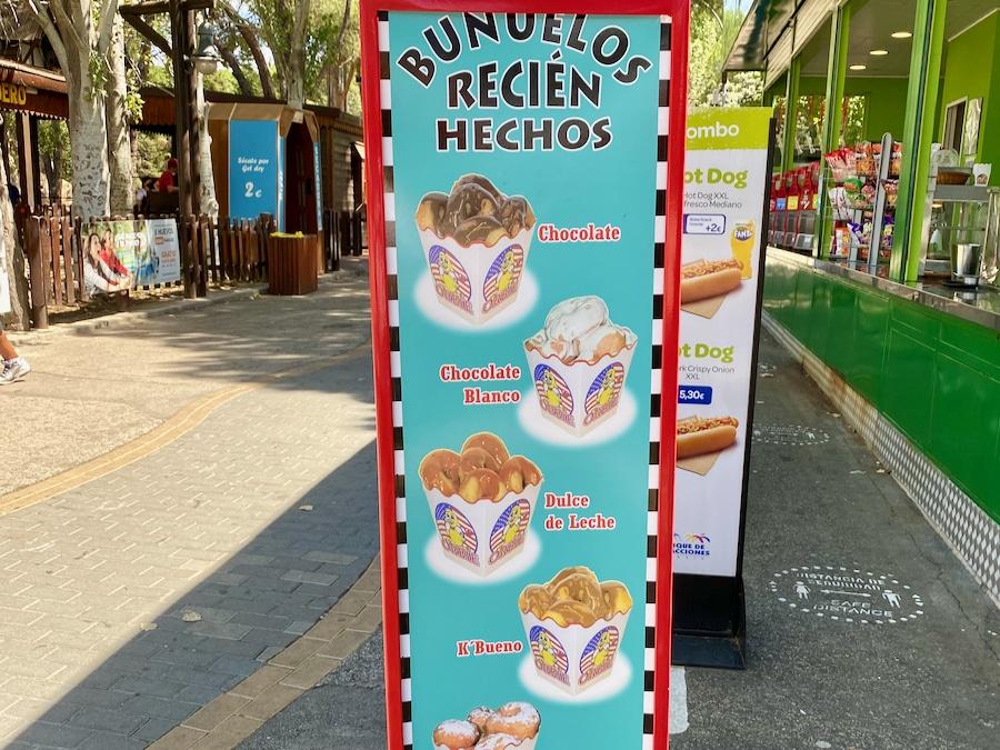 Puesto de buñuelos en el Parque de Atracciones de Madrid