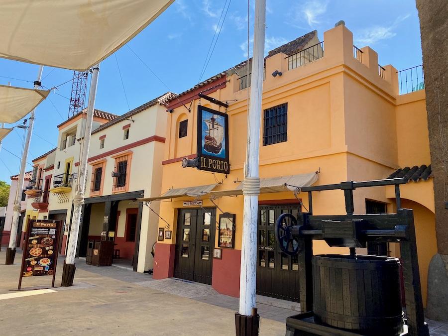 Restaurante de mesa Il Porto en Isla Mágica