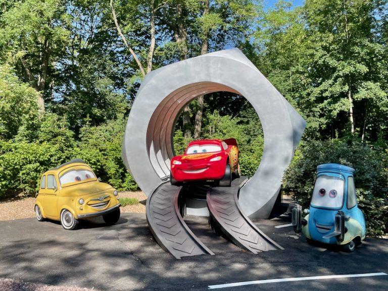 Escena de Cars Road Trip nueva atracción de Walt Disney Studios en Disneyland Paris