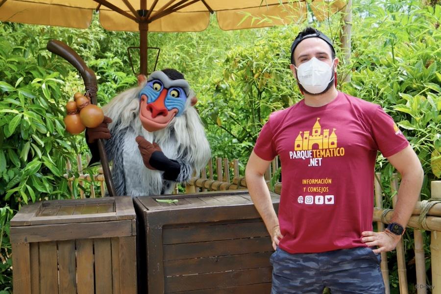 Foto a Distancia con Rafiki en Disneyland Paris 2021