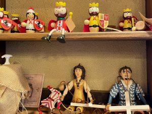 Juguetes de madera en el Taller de Don Serapio de Puy du Fou España