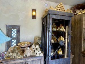 Lingotes y monedas de chocolate en Puy du Fou España