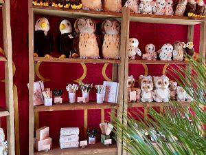 Peluches y recuerdos de Cetrería de Reyes en Puy du Fou España