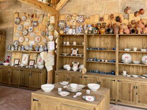 Productos de cerámica en La Alfarería de Julia de Puy du Fou España