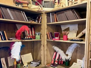 Productos de escritura y papelería de el Amanuense Iluminador en Puy du Fou España