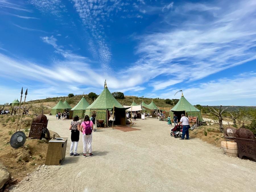 Vista del campamento árabe del Askar Andalusí en Puy du Fou España