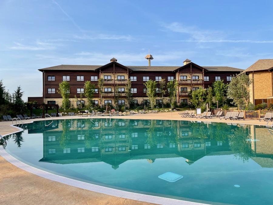 Expansión del Hotel Colorado Creek de PortAventura con su edificio Creek Valley y su nueva piscina